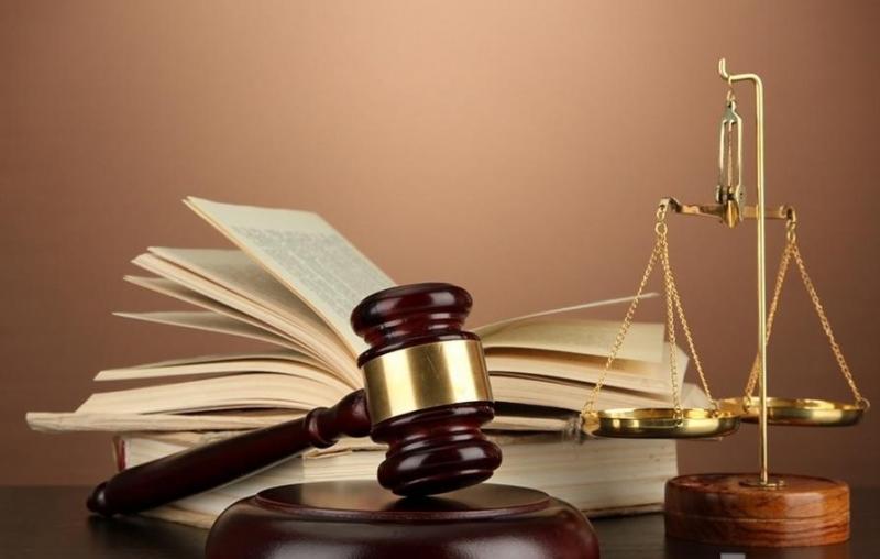 محامي و مستشار قانوني