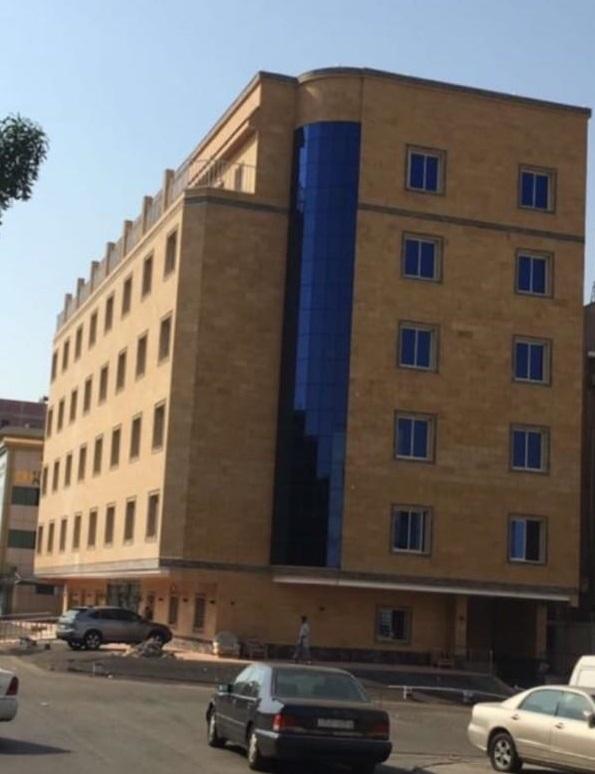 مبنى فخم في حي الفيصلية للبيع