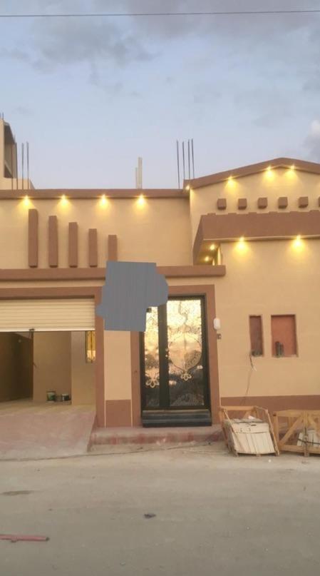 للبيع عماره سكنيه في الرياض