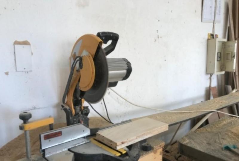 ورشة نجارة في القنفذة للبيع