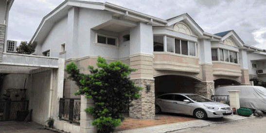 4BR Townhouse in Paranaque