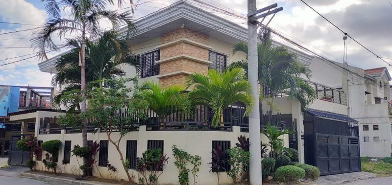 Pre Owned House and Lot -Mercedes Pasig City
