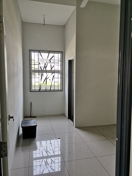 Partially Furnished Semi-Detached For Sale At Bandar Warisan Puteri, Sikamat