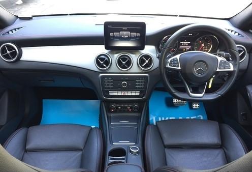 Mercedes-Benz Cla180 AMG Sport