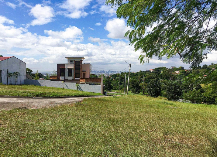 Lot For Sale: 422sqm Overlooking in Highlands Pointe