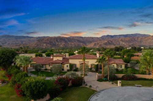 Gorgeous Desert Estate in Rancho Mirage