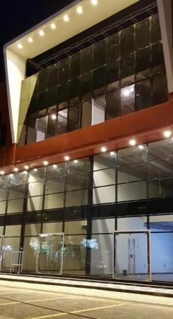 مبنى تجاري اداري للأيجار