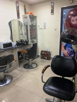 Salon for Sale  Fixing Hair Extensions