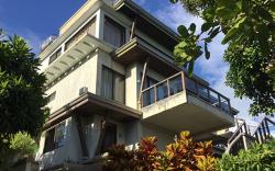 Spacious Beachfront House on an Idyllic Island