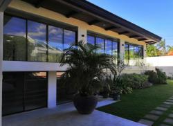 Beautiful Modern House for Sale in Ayala Alabang
