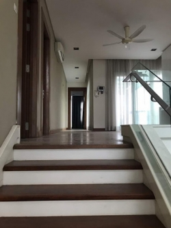 6 BR - Four Storey Bungalow House Surround By Greens