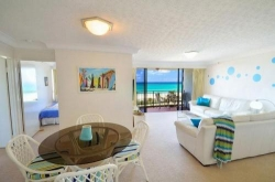 Gold Coast Waterfront Accommodation - Blue Ocean Apartment