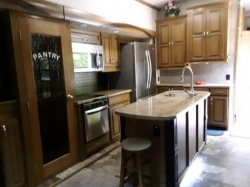 2017 Cedar Creek 5th wheel travel trailer
