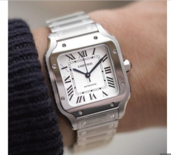 Luxurious Cartier Santos Wrist Watch